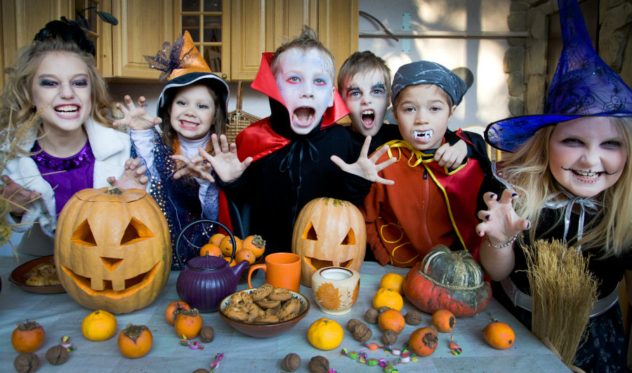 10 Halloween Safety Tips for Your Goblins & Ghouls