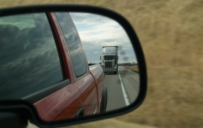 Proving Negligence in Accidents with SemiTrucks