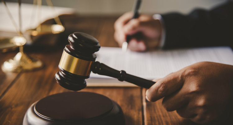 Pinnacle Hip Implant Lawsuits Closing in on a Settlement