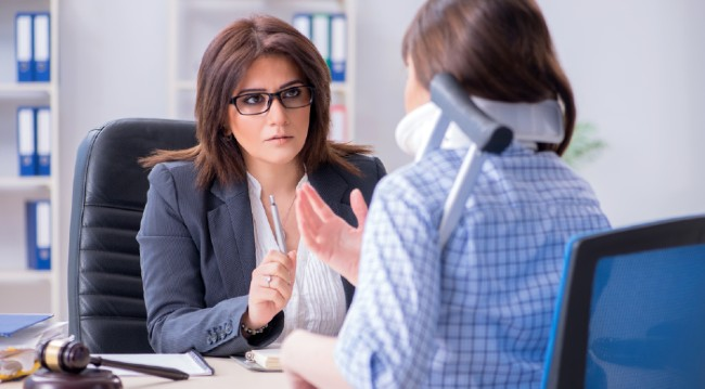When to Talk with a Personal Injury Lawyer